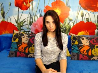 Voir le liveshow de  VeronikaMilson de Xlovecam - 20 ans - I`m an energetic girl, I like to try lots of new things, I`m very curious about all your hi ...