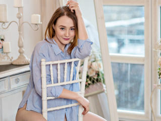 Voir le liveshow de  DivineXGirl de Xlovecam - 21 ans - Sexy and hot for you