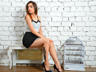 Voir le liveshow de  MySecret de Xlovecam - 19 ans - The average man does not know what to do with his life, yet wants another one which will last for ...