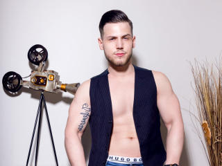 Voir le liveshow de  AlexxSynn de Xlovecam - 20 ans - I am a fitness personal trainer. I`m all about sex, talking, making new friends, honestly, open  ...