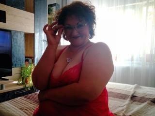 MadameLaProf nude on cam