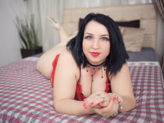 Voir le liveshow de  SonnyaDarlin de Xlovecam - 38 ans - Hello! I am Sonnya and as you can see I am not like others in here but I really enjoy my work ...