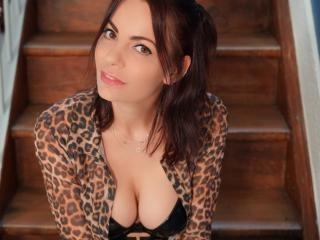 Voir le liveshow de  JuneCamFrench de Xlovecam - 32 ans - Hello, I am June young natural woman, unpredictable, greedy and generous ... I like to show  ...