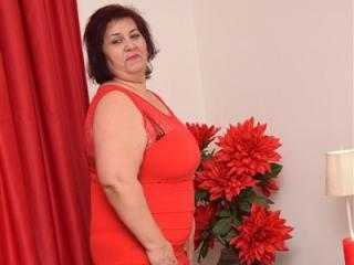 Voir le liveshow de  DivineJannine de Xlovecam - 51 ans - Hot mature Sexy lady with sexy legs, nice boobs , an ass to die for and beautiful features i ...