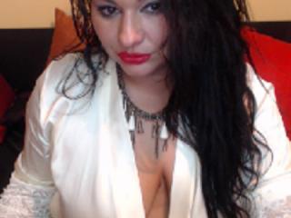 Voir le liveshow de  Estellerosex de Xlovecam - 33 ans - Im a very horny girl...who like have lot of fun...!heheh...