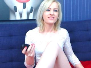 Voir le liveshow de  RaeMonay de Xlovecam - 28 ans - I'm Rae and im 28 I do like to talk with people and spend time laughing and flirting and listen p ...