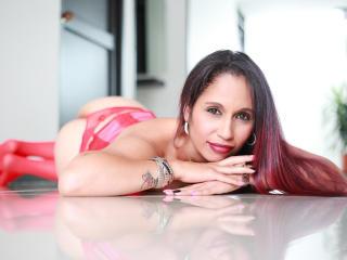 Voir le liveshow de  IsabeliGrey de Xlovecam - 32 ans - I am hot and sexy, and a lot perv,   mmmmmmmmmm