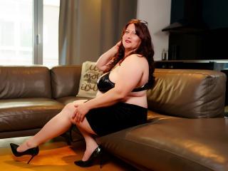HairySonia nude on cam