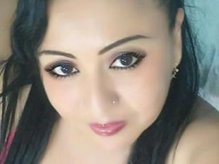 Voir le liveshow de  MiluSexyForU de Xlovecam - 28 ans - Most of my friends would say I have a shy personality. But my smile and my hot body will be s ...