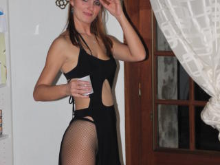 Bordelaise nude on cam
