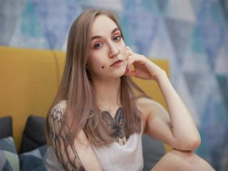 Enjoy your live sex chat MeganRowell from Xlovecam - 25 years old - I`m a sexy and funny girl with a beautiful smile and cute eyes.