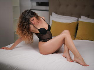 Voir le liveshow de  AmyLaFleur de Xlovecam - 27 ans - Unfortunately, there isn't enough space to write introduction about myself, Let me just give yo ...