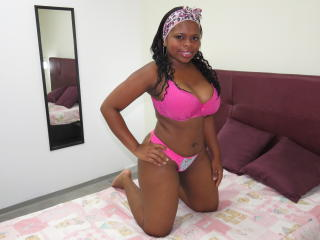 Voir le liveshow de  YaritzaTyler de Xlovecam - 20 ans - I'm a girl with very, very tight holes - and they are all Yours